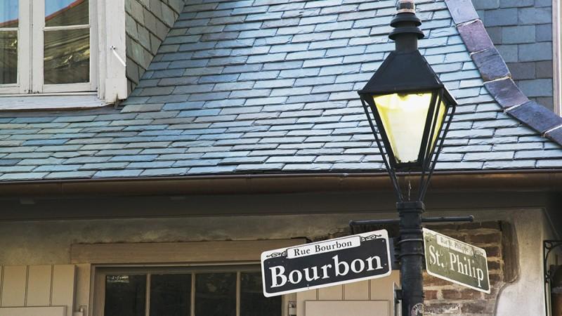 Lafitte's-Blacksmith-Shop-Bar---New-Orleans,-Louisiana