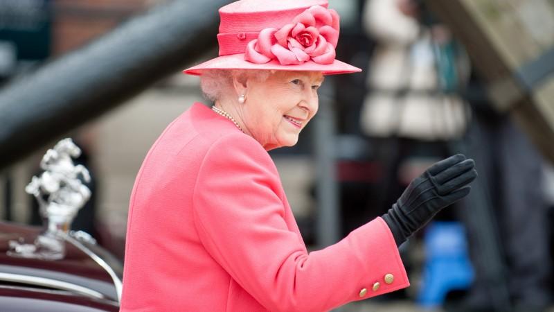 8-Too-much-Queen