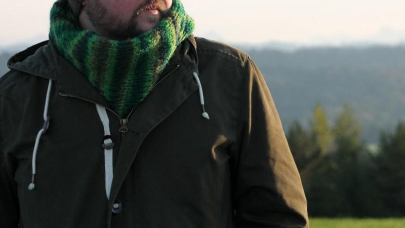 Male Knitting