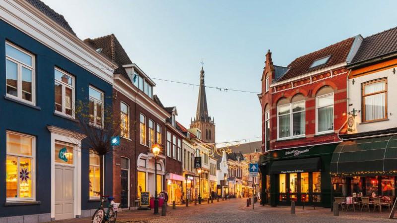 DutchScenery / Shutterstock.com